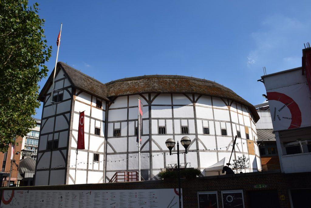 Shakespeare-globe-theatre-london-UK