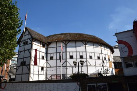 Shakespeare-globe-theatre-london-UK